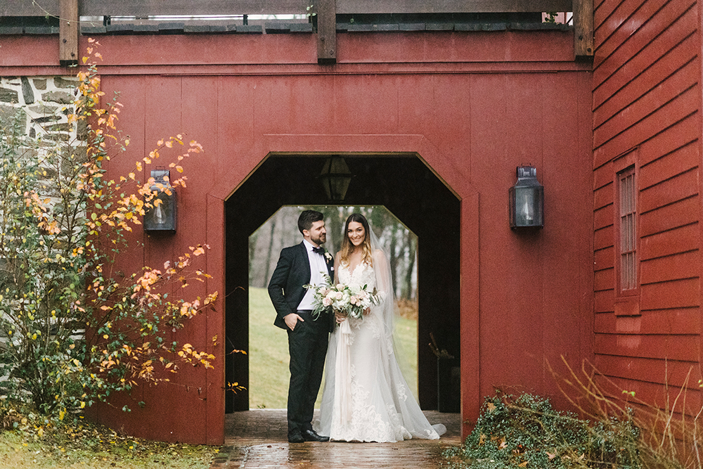 wedding photography - photo by Alicia King Photography http://ruffledblog.com/upstate-new-york-wedding-ideas-with-copper