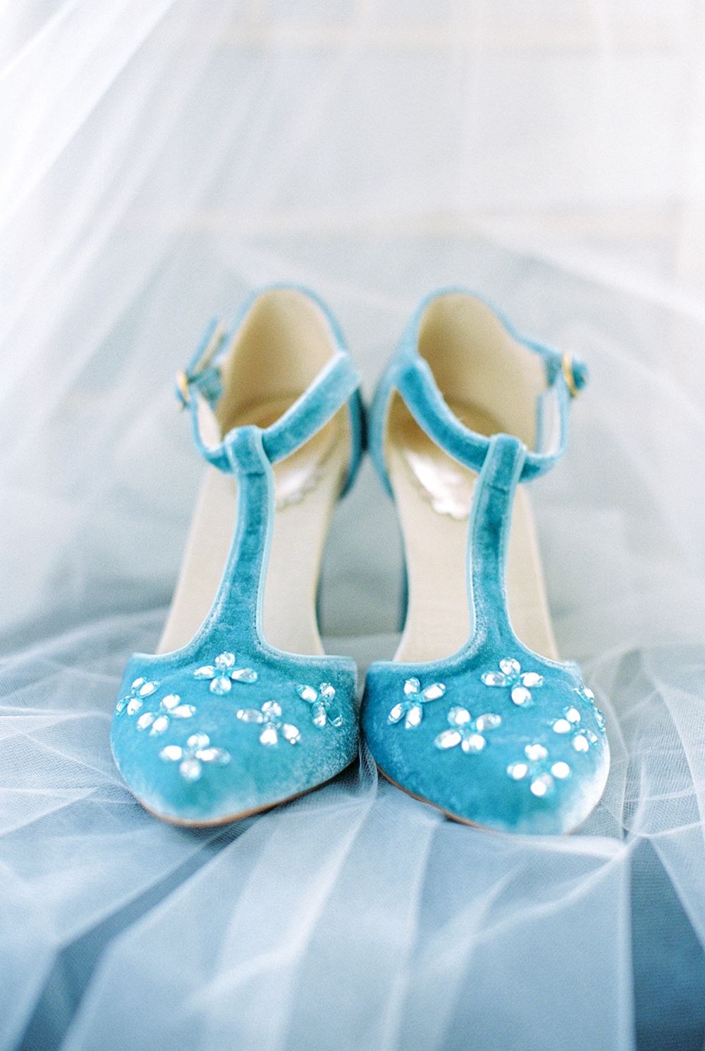 cute blue wedding shoes - photo by Alexis June Weddings http://ruffledblog.com/for-the-love-of-copper-wedding-inspiration