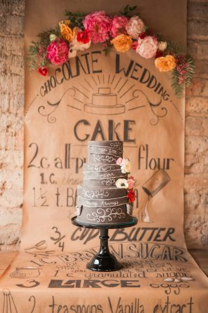 Wedding cake table - Gideon Photography