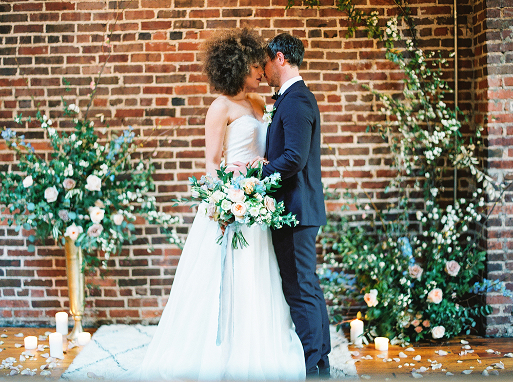 ceremony inspiration - photo by Photos by Heart http://ruffledblog.com/downtown-birmingham-spring-wedding-inspiration