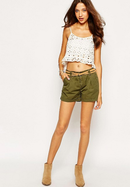 With crop top and beige suede boots