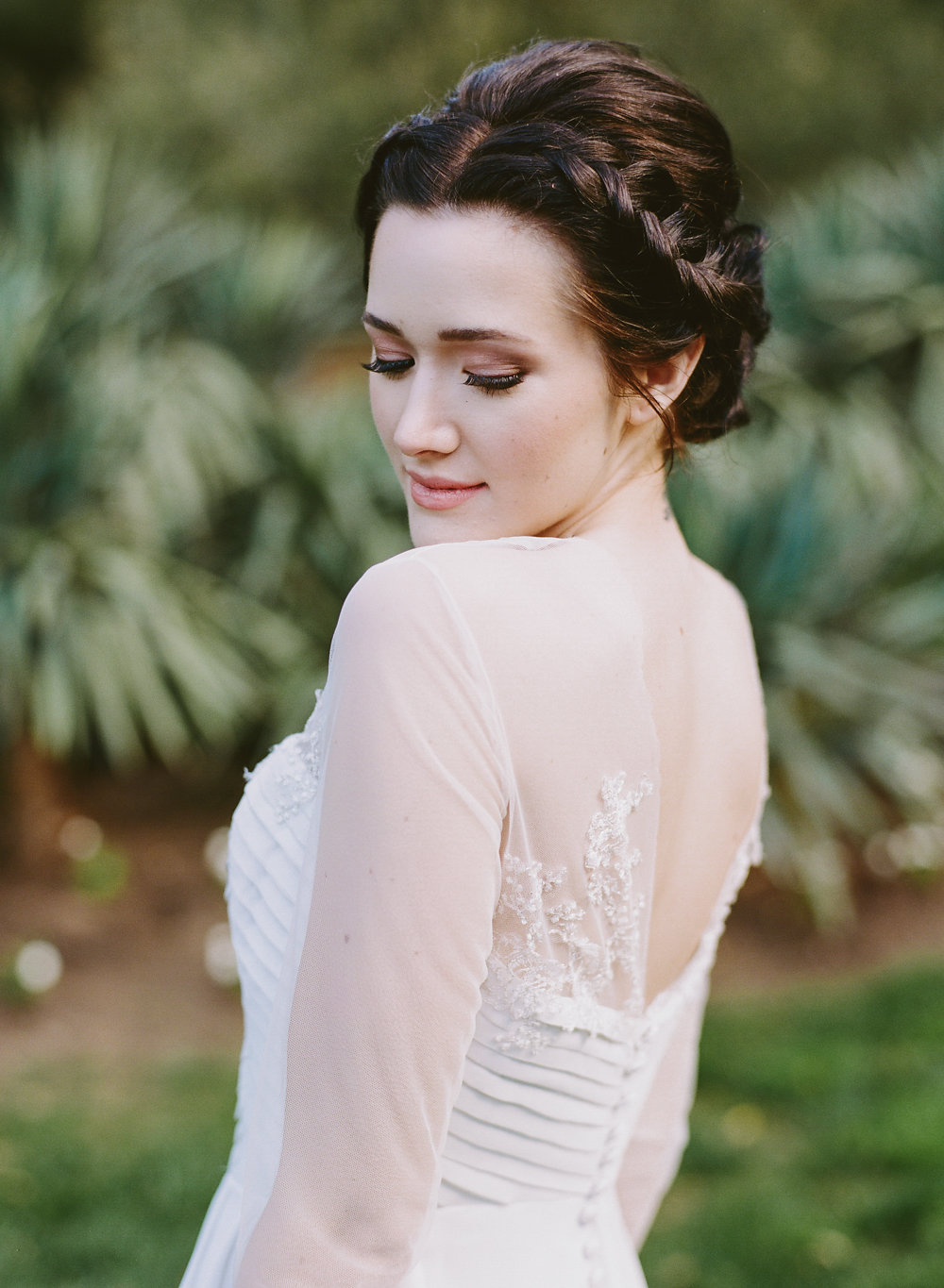 wedding beauty - photo by Taken by Sarah Photography http://ruffledblog.com/intimate-rustic-chic-wedding-inspiration