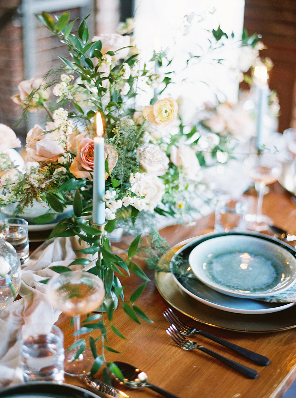 wedding table ideas - photo by Photos by Heart http://ruffledblog.com/downtown-birmingham-spring-wedding-inspiration