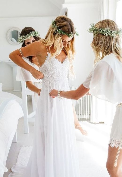 greenery and baby's breath crowns will look fresh during the whole day