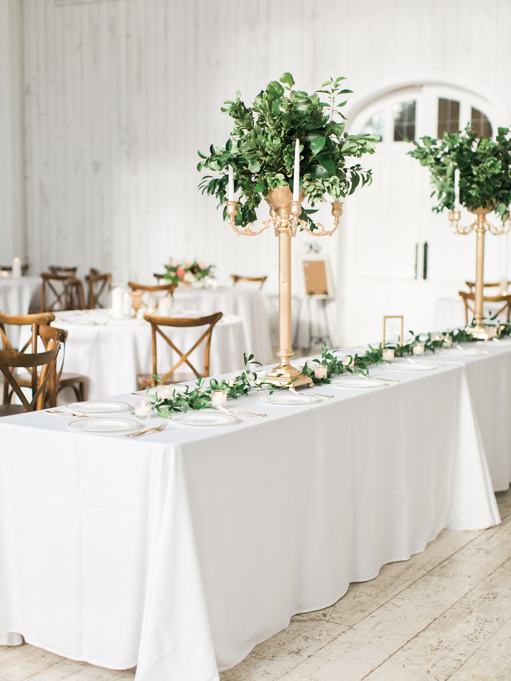 romantic receptions - photo by Elisabeth Carol Photography http://ruffledblog.com/picturesque-garden-wedding-at-white-sparrow-barn