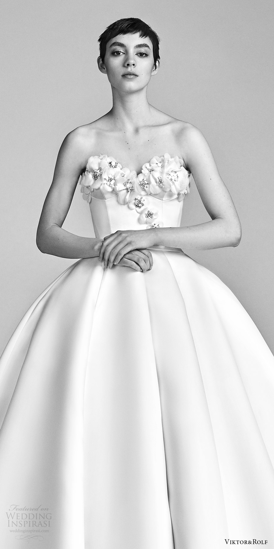 viktor and rolf spring 2018 bridal strapless sweetheart embellished neckline ball gown wedding dress (1) zv romantic