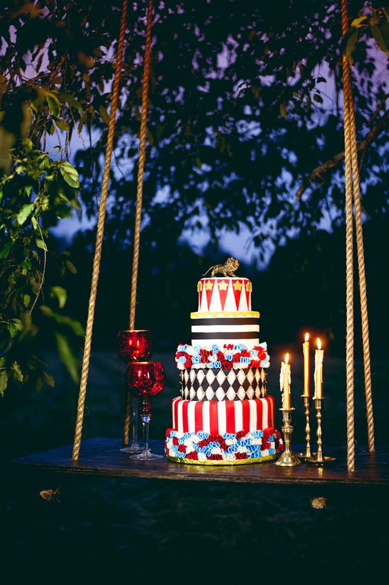 a usual swing used as a cake display looks cool