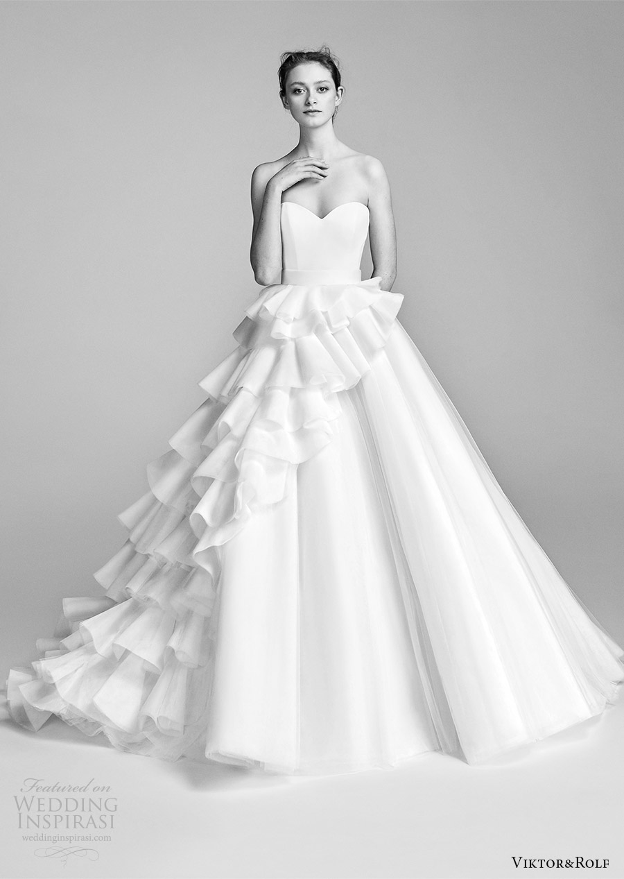 viktor and rolf spring 2018 bridal strapless sweetheart ruffle skirt a line wedding dress (2) mv romantic