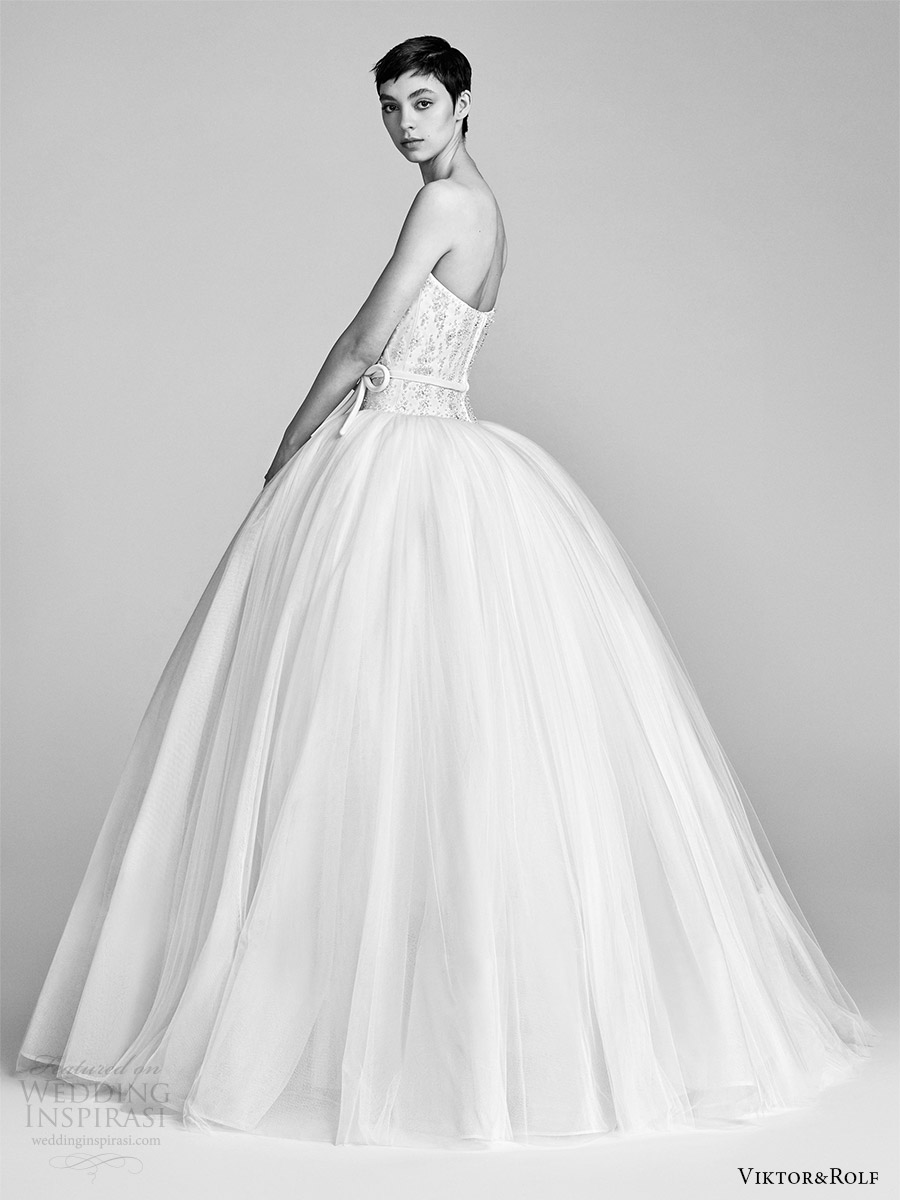 viktor and rolf spring 2018 bridal cap strapless sweetheart beaded bodice drop waist ball gown wedding dress (11) sv pocket romantic