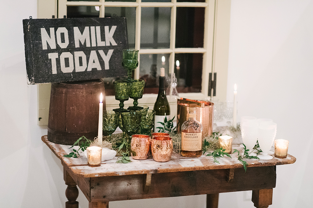 wedding inspiration - photo by Alicia King Photography http://ruffledblog.com/upstate-new-york-wedding-ideas-with-copper