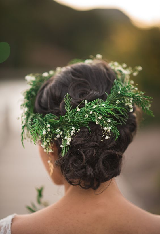 evergreen boho flower crown is a great idea