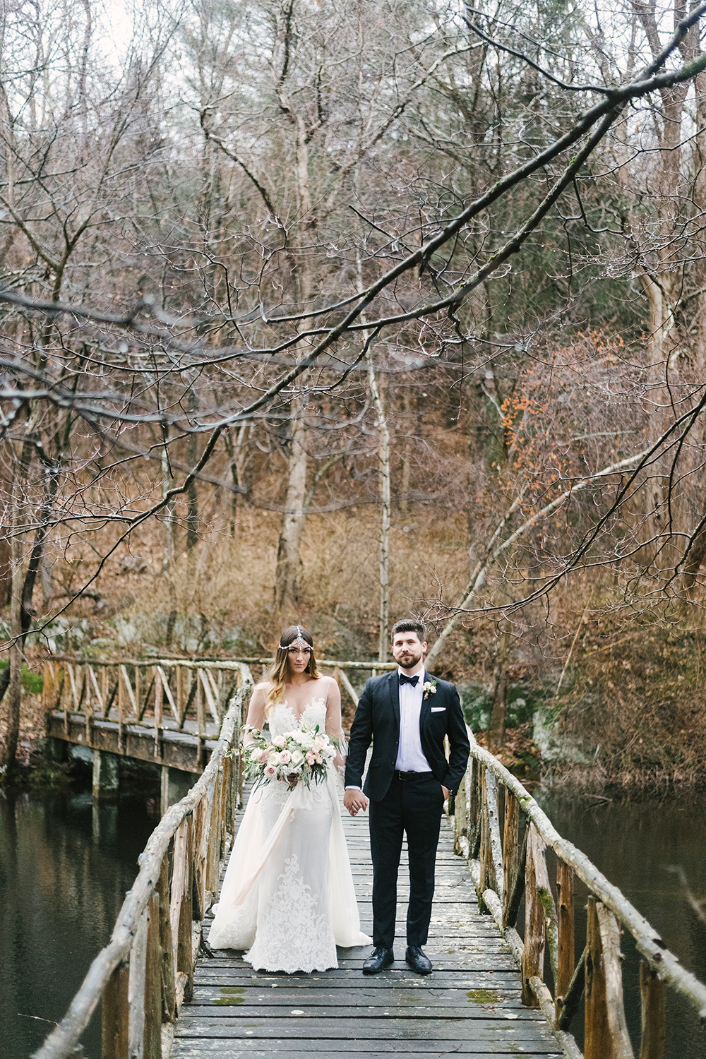 Upstate New York Wedding Ideas with Copper - photo by Alicia King Photography http://ruffledblog.com/upstate-new-york-wedding-ideas-with-copper