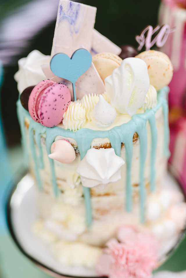 Bridal shower cake with mararons | Jessilynn Wong Photography