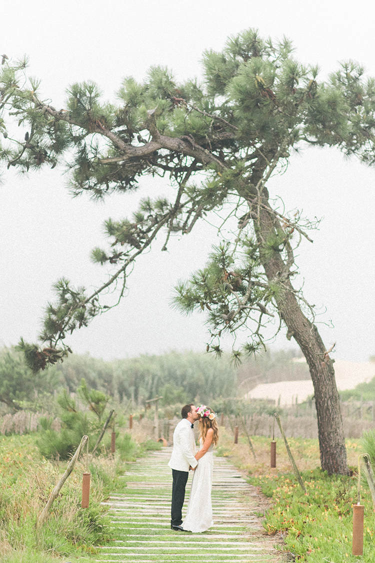 wedding portraits - photo by Adriana Morais http://ruffledblog.com/two-day-destination-wedding-celebration-in-portugal
