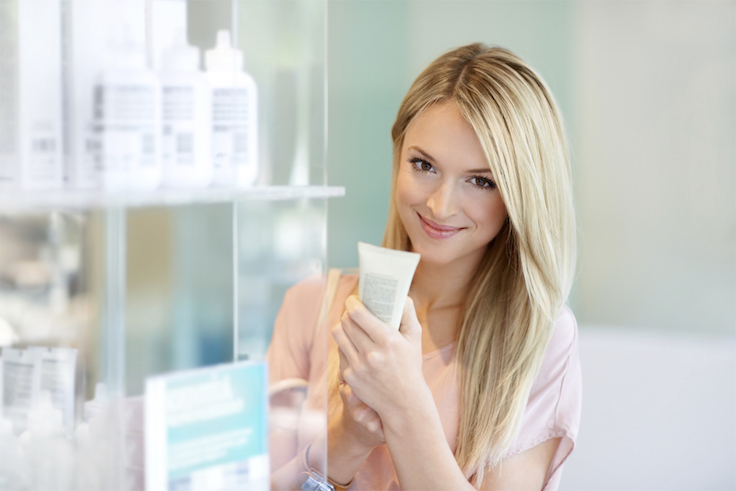 You don't need to spend a fortune to have healthy, glowing skin! Whether you're looking to protect, brighten or moisturize your skin, there's no shortage of top-notch skincare options at the drugstore that work just as well as their pricey high-end counterparts! These affordable alternatives a.k.a skincare dupes allow you to have a great skincare regimen even on a shoestring beauty budget!