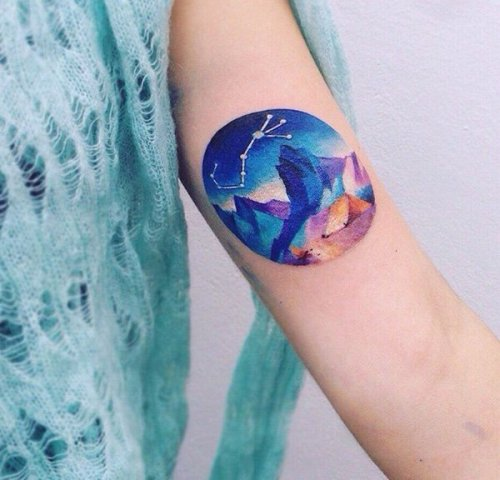 Charming tattoo on the arm
