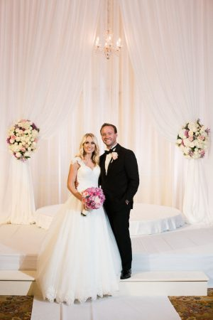 Bride and groom pictures - Style and Story Photography