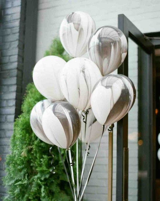 marble balloons for decorating a wedding