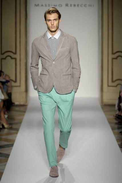 how to wear a mint pant (1)
