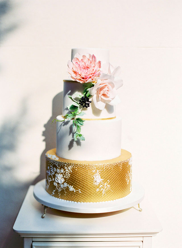 Gold, white, and blush pink wedding cake | Zosia Zacharia Photography