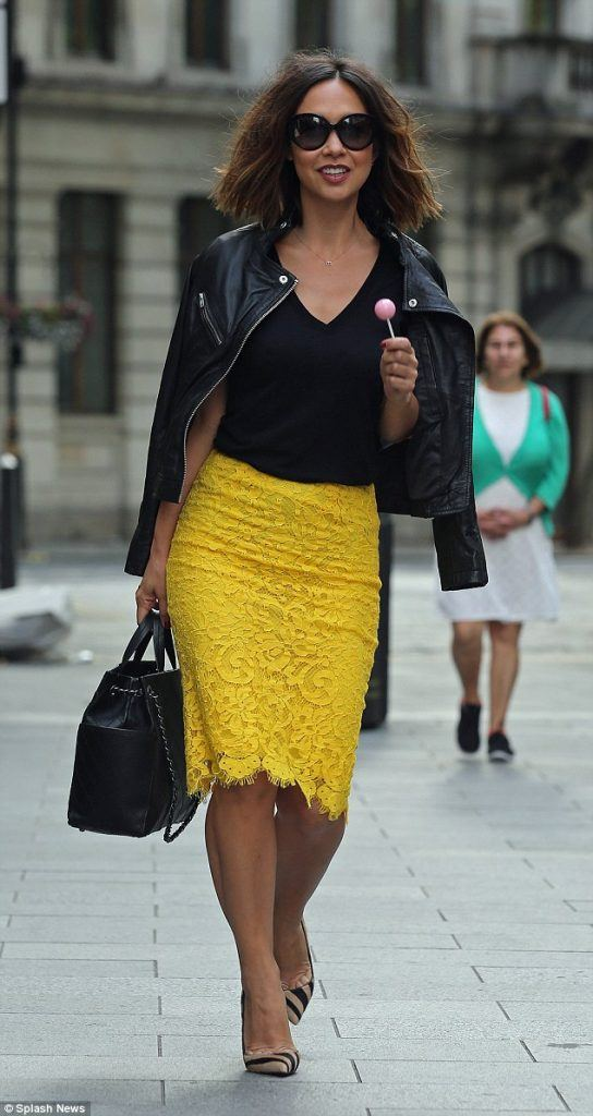 how to wear yellow skirt (17)