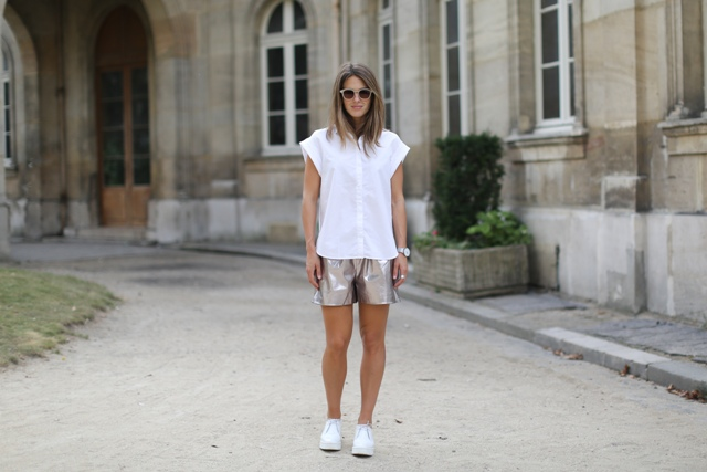 With white loose shirt and white sneakers