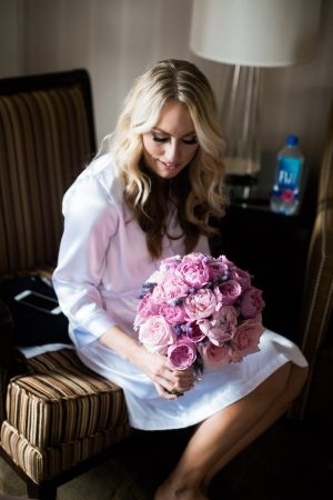 Pink roses wedding bouquet - Style and Story Photography