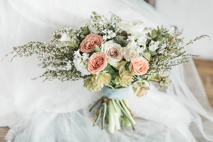 romantic dusty pink bouquets - photo by Chloe Luka Photography http://ruffledblog.com/vintage-bohemia-wedding-ideas-with-statement-floral-arrangements