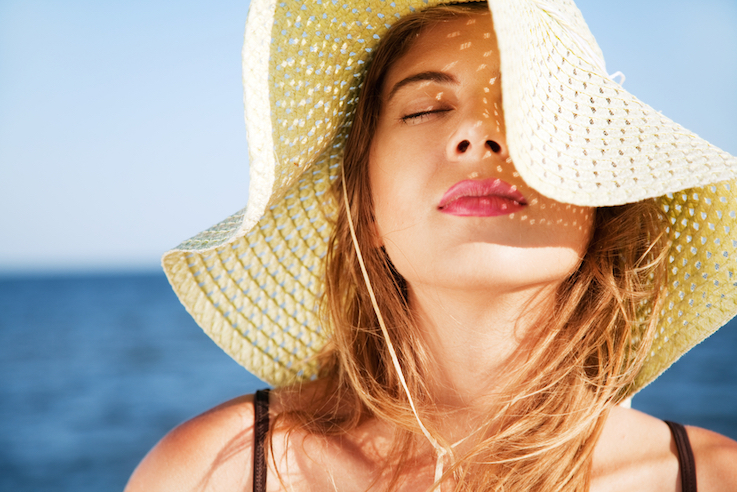 Making makeup last all day in summer doesn't have to be a high-maintenance hassle. Check out these easy beauty hacks on keeping a fresh face - even in sweltering hot weather. These summer makeup tips and tricks can make a world of difference in the look and wear time of your makeup!