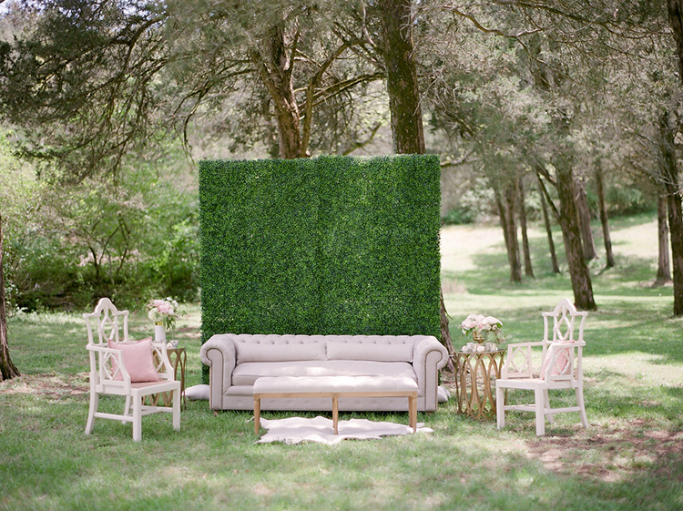 garden inspired wedding ideas - photo by Christy Wilson Photography http://ruffledblog.com/summer-castle-soiree-wedding-inspiration