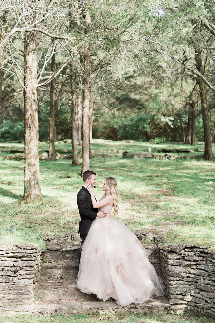 estate weddings - photo by Christy Wilson Photography http://ruffledblog.com/summer-castle-soiree-wedding-inspiration