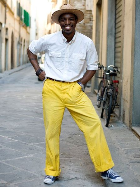 how to wear yellow pants for men (26)