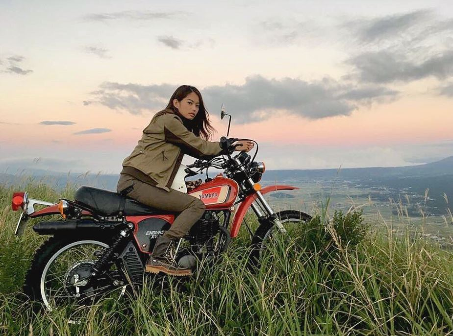 most beautiful biker girls on Instagram (12)