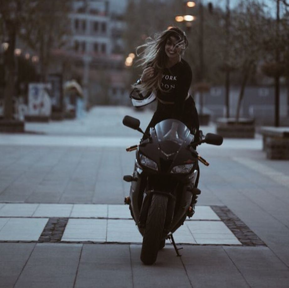 most beautiful biker girls on Instagram (3)