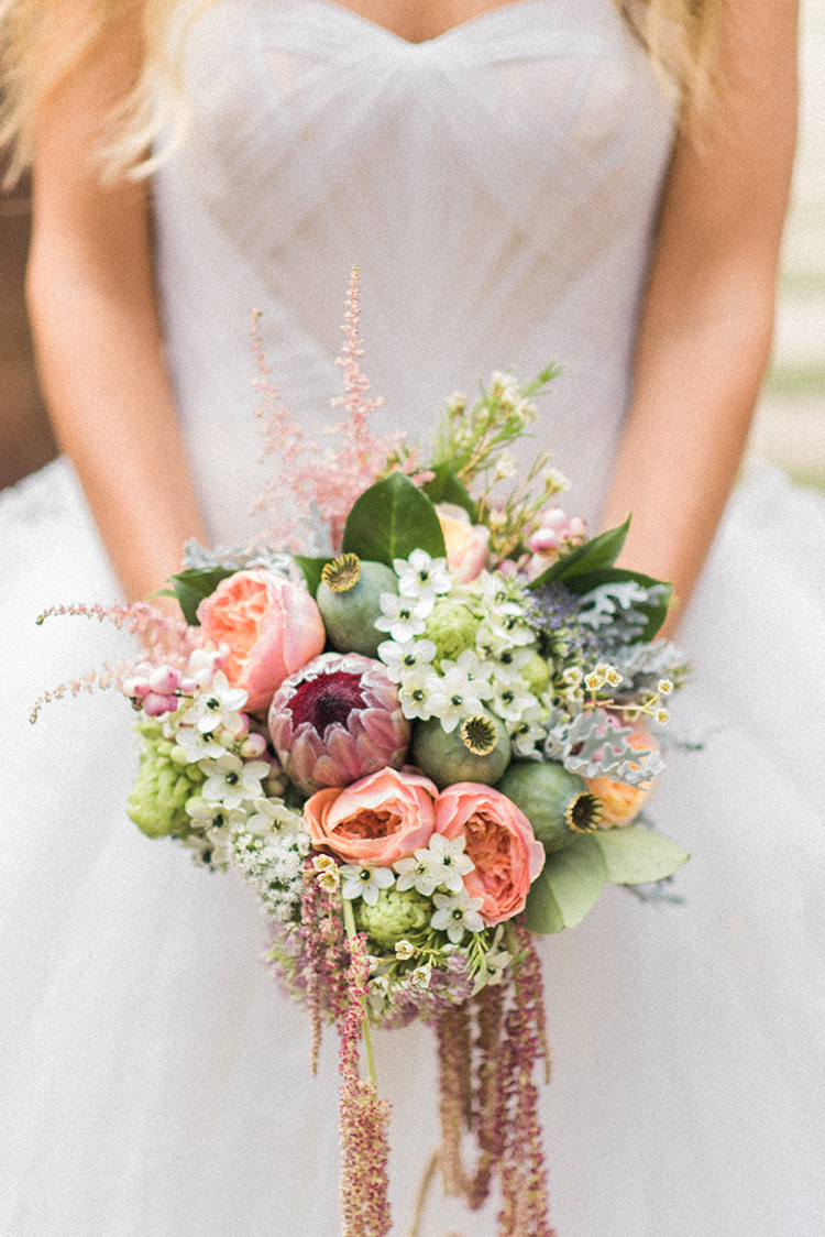 wedding bouquets - photo by Adriana Morais http://ruffledblog.com/two-day-destination-wedding-celebration-in-portugal