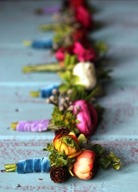 boutonnieres wrapped with velvet ribbons