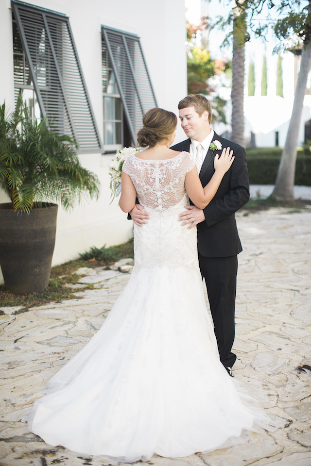 Classic beaded back wedding dress | Leslie Hollingsworth Photography