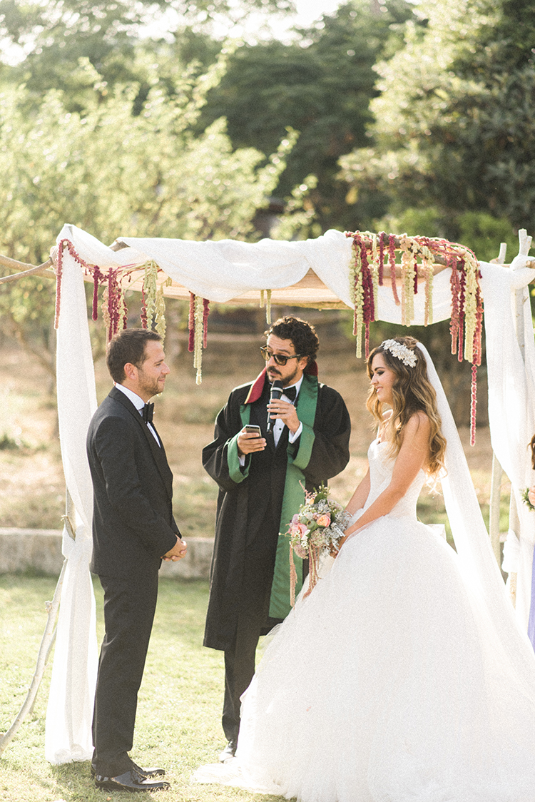 wedding ceremonies - photo by Adriana Morais http://ruffledblog.com/two-day-destination-wedding-celebration-in-portugal