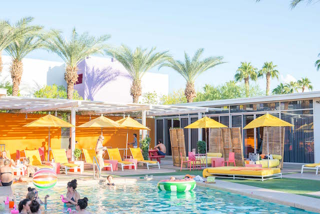 Bachelorette desert pool party getaway at the Saguaro in Arizona | Pura Soul Photography