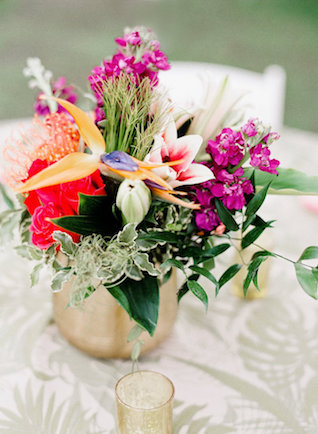 Tropical floral centerepiece | Leighanne Herr Photography