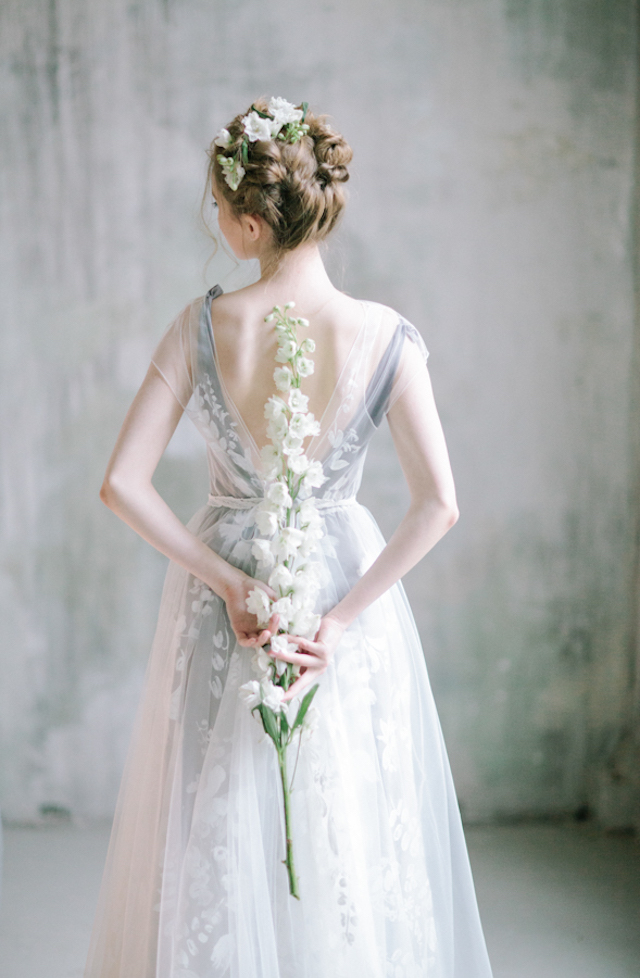 Gray wedding dress | Anna Zabrodina Photography