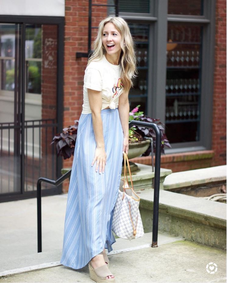 Ways to Wear a Wrap Skirt in Style (14)