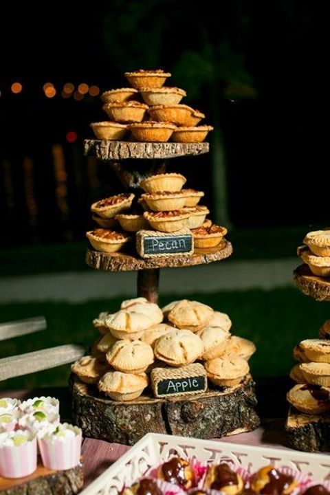 display your homemade pies on a rough wood piece stand with chalkboard signs to make it cute
