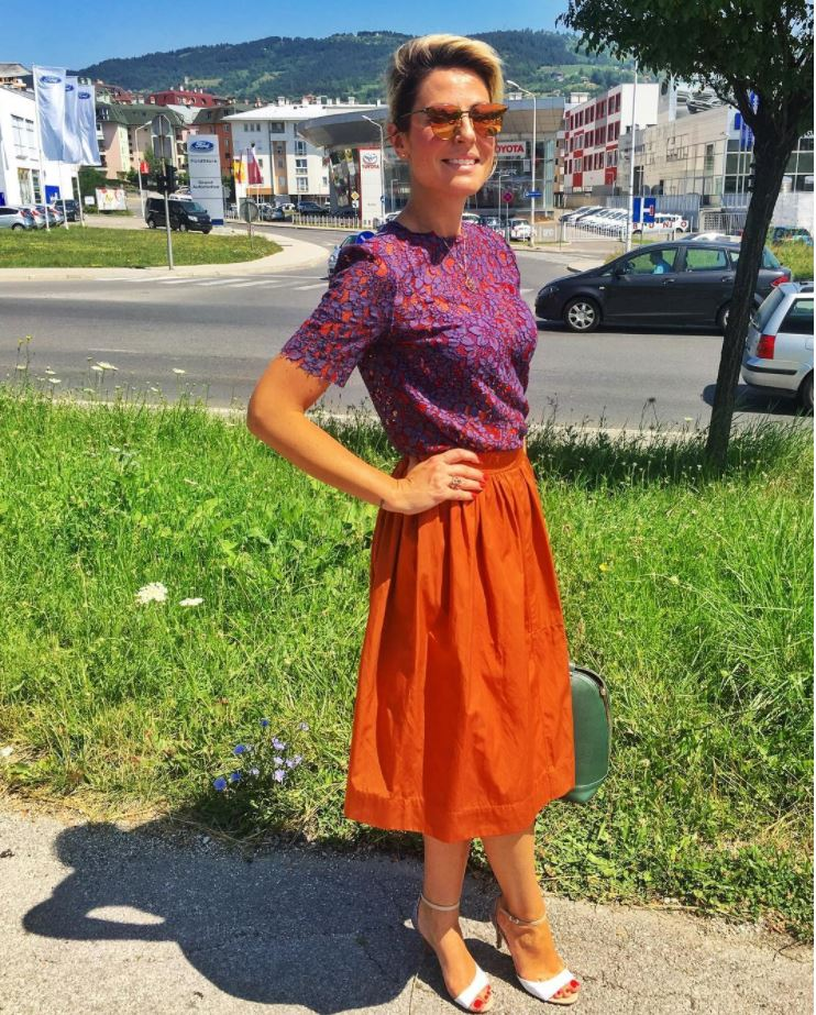 orange skirt outfits (21)