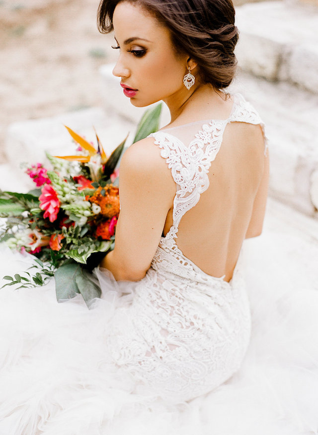 Tropical wedding dress | Leighanne Herr Photography