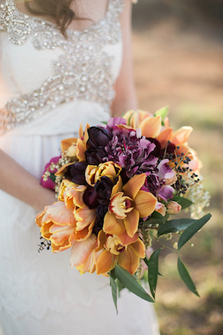 Autumnal bridal bouquet | Sweet Roots Photography