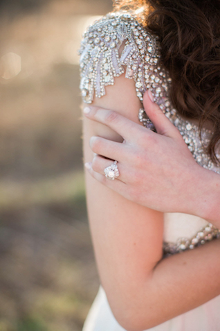 Vintage wedding ring | Sweet Roots Photography