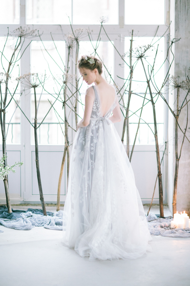 Dove gray wedding dress | Anna Zabrodina Photography