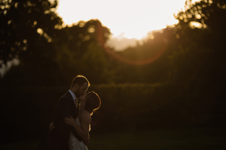Such a beautiful and cozy wedding, get inspired