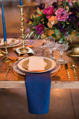 Navy and gold place setting | Sweet Roots Photography